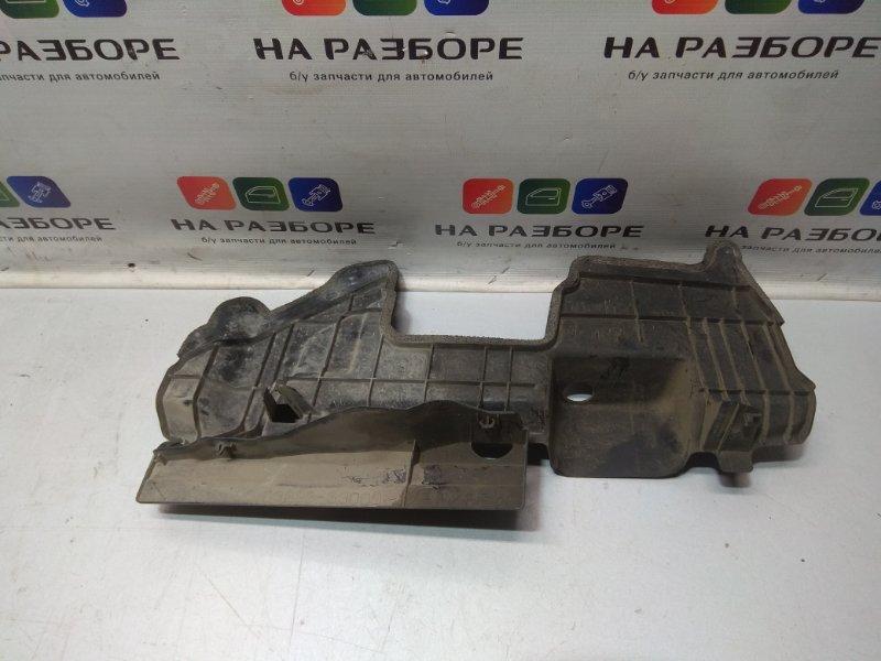 Дефлектор радиатора Toyota Camry V50 правый (б/у)