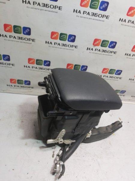 Консоль между сидений Toyota Land Cruiser Prado 150 (б/у)