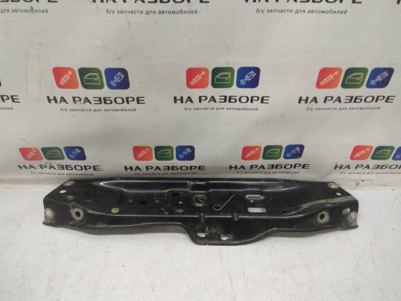 Рамка радиатора Opel Astra H 1.3 2008 (б/у)