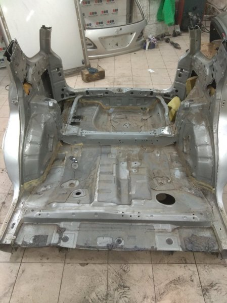 Задняя часть Toyota Harrier XU10 2AZ-FE 2001 задняя (б/у)