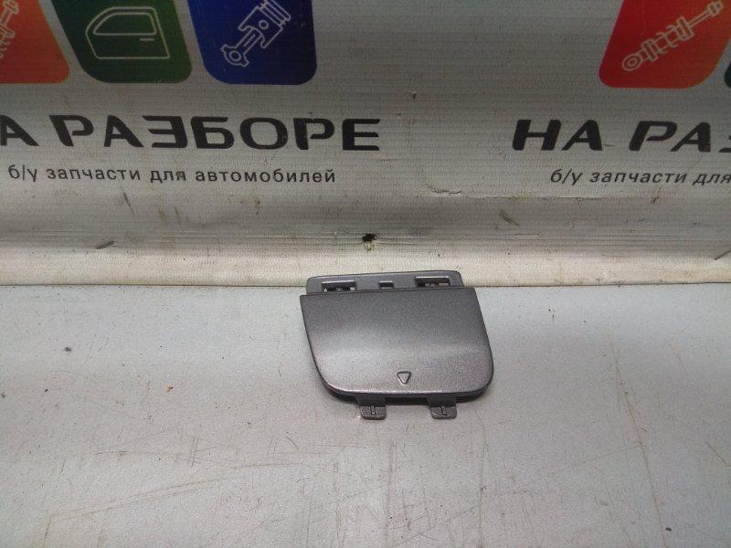 Заглушка бампера Mercedes Cla (б/у)