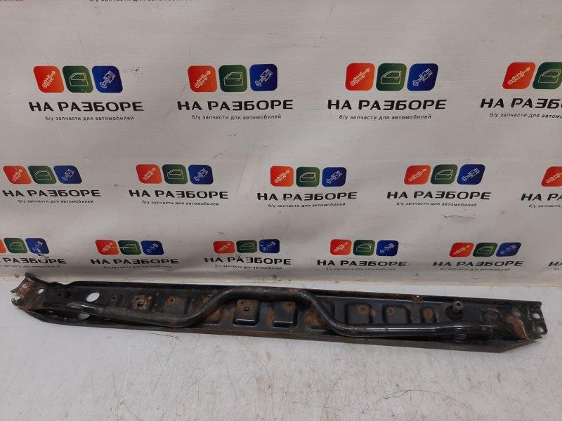 Рамка радиатора Land Rover Freelander 2 L359 2.2 2008 нижняя (б/у)
