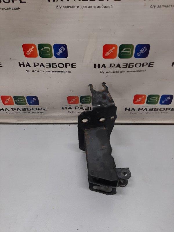 Крепление усилителя бампера Audi Q7 4LB 4.2 2006 переднее правое (б/у)