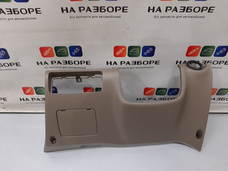 Накладка торпедо под рулевой колонкой Kia Magentis EF G6BV 2006 (б/у)