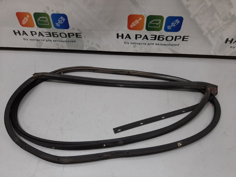 Уплотнительная резинка на дверь Changan Cs35 1.6 2014 задняя правая (б/у)