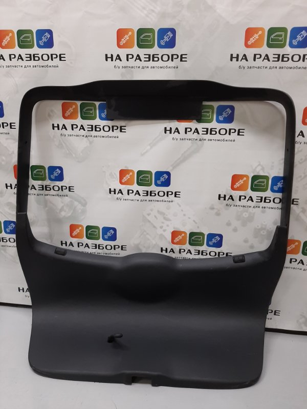 Обшивка крышки багажника Skoda Octavia A5 (б/у)