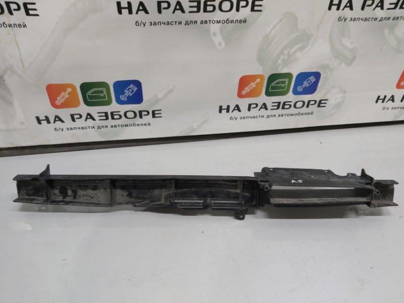 Дефлектор радиатора Skoda Octavia A5 (б/у)