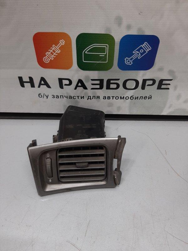 Дефлектор на торпедо Subaru Impreza 3 левый (б/у)