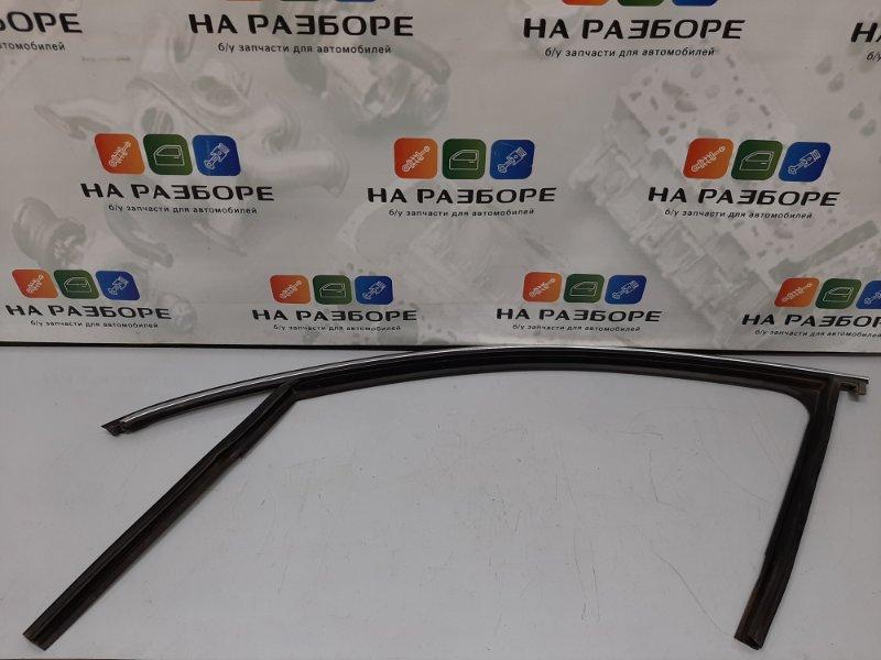 Уплотнительная резинка стекла двери Skoda Superb 3T CDA 2011 передняя левая (б/у)