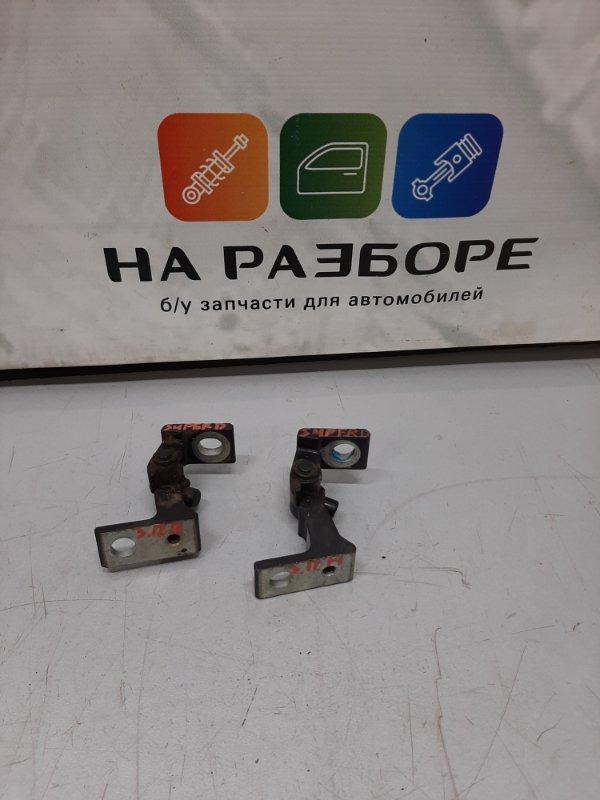 Петля двери Skoda Superb 3T CDA 2011 задняя правая (б/у)
