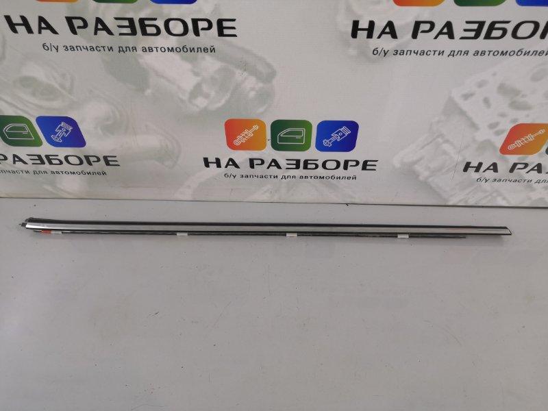 Молдинг стекла Nissan Maxima A33 VQ20DE 2004 задний правый (б/у)