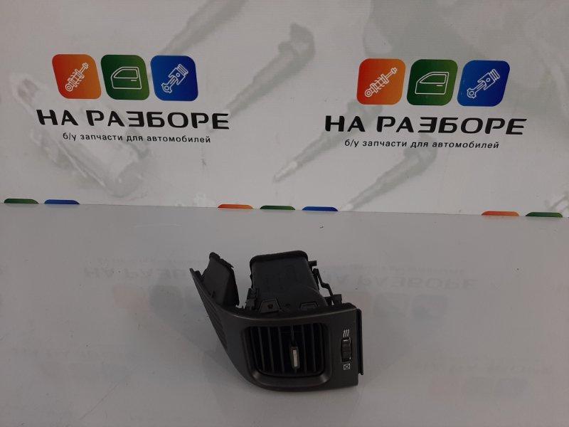 Дефлектор на торпедо Nissan Maxima A33 VQ20DE 2004 передний левый (б/у)