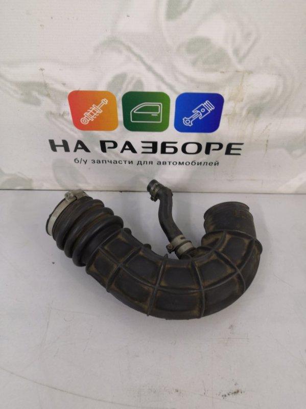 Патрубок воздушного фильтра Lada Priora (б/у)