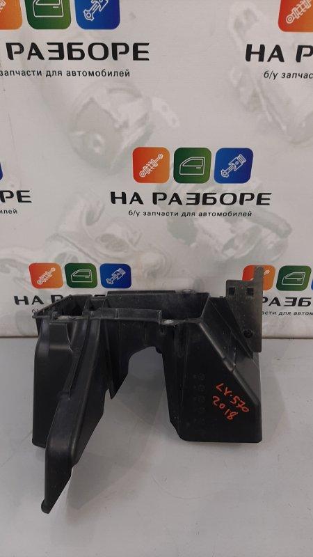 Дефлектор радиатора Lexus Lx570 3 3UR-FE 2017 (б/у)