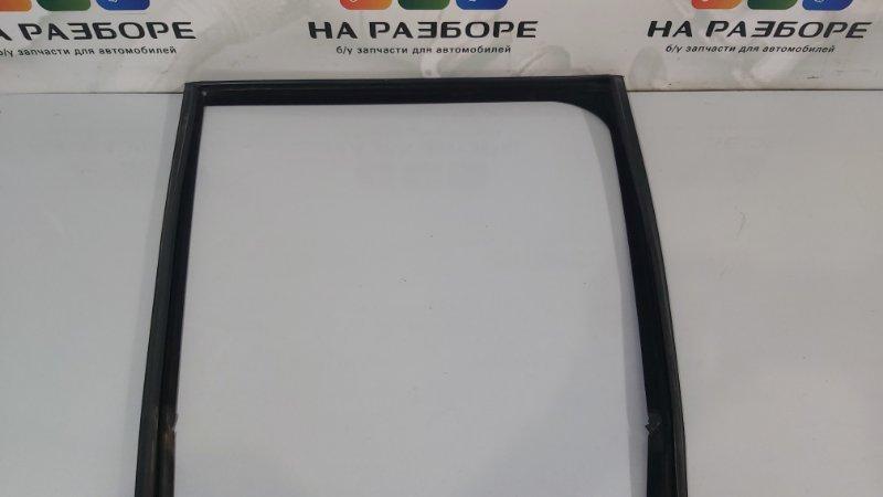 Уплотнительная резинка стекла двери Land Rover Range Rover L405 508PS 2015 задняя правая (б/у)