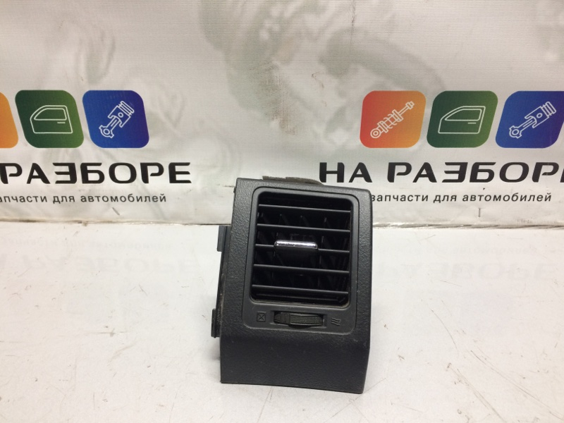 Дефлектор на торпедо Toyota Corolla E150 (б/у)