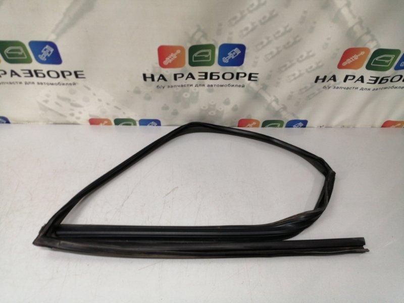 Уплотнительная резинка стекла двери Infiniti Qx56 Z62 VK56 2012 передняя правая (б/у)