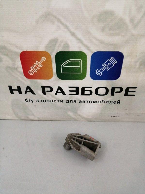 Кронштейн радиатора Porsche Cayenne 958 M48.02 2014 правый (б/у)