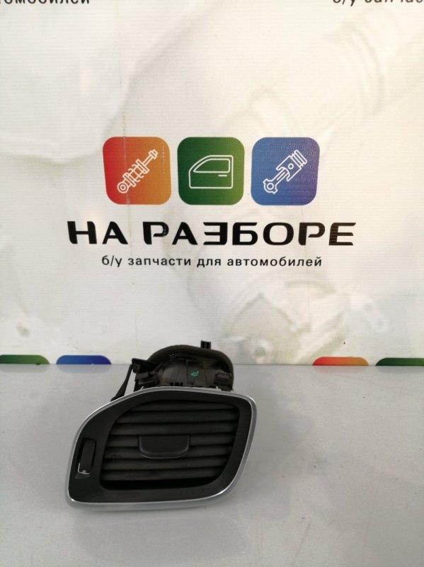 Дефлектор на торпедо Volvo S60 FS45 B4164T3 2012 левый (б/у)