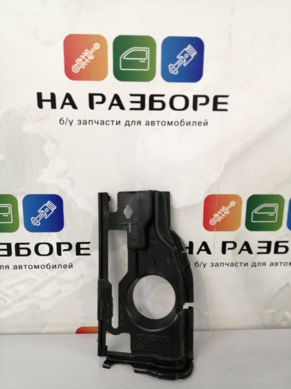 Дефлектор радиатора Volvo S60 FS45 B4164T3 2012 передний левый (б/у)