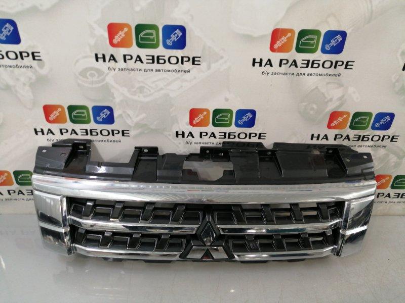 Решетка радиатора Mitsubishi Pajero IV РЕСТ 2 (б/у)