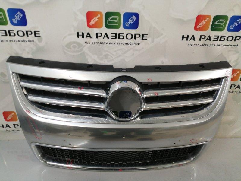 Решетка радиатора Volkswagen Touareg 1 РЕСТ (б/у)