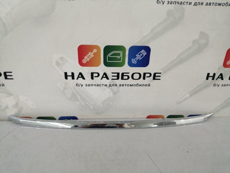 Накладка на решетку радиатора Honda Cr-V (б/у)