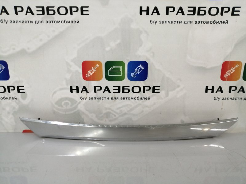 Накладка крышки багажника Toyota Corolla E180 (б/у)