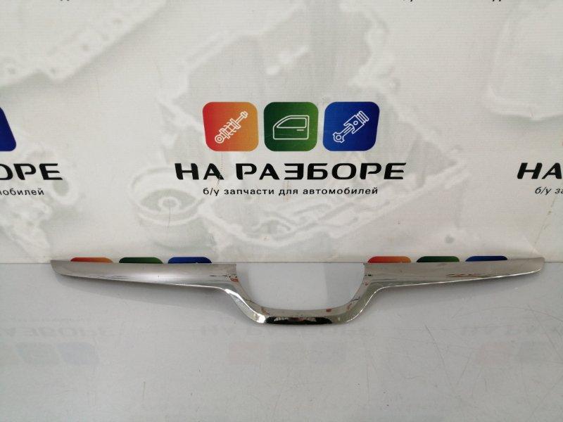 Накладка на решетку радиатора Subaru Xv (б/у)