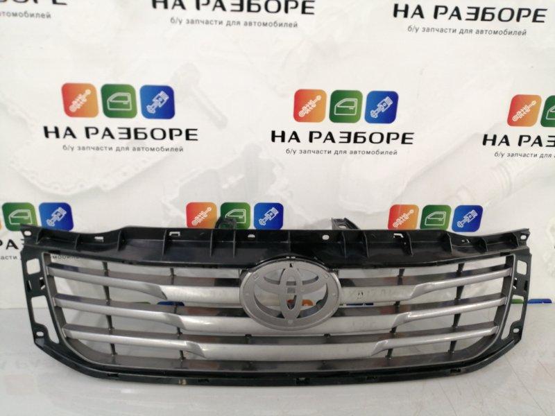 Решетка радиатора Toyota Hilux (б/у)