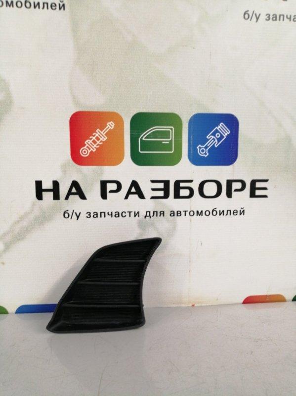 Накладка на бампер Toyota Hilux передняя левая (б/у)