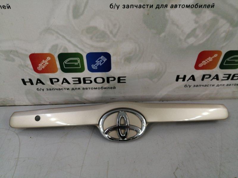 Накладка крышки багажника Toyota Camry V40 (б/у)