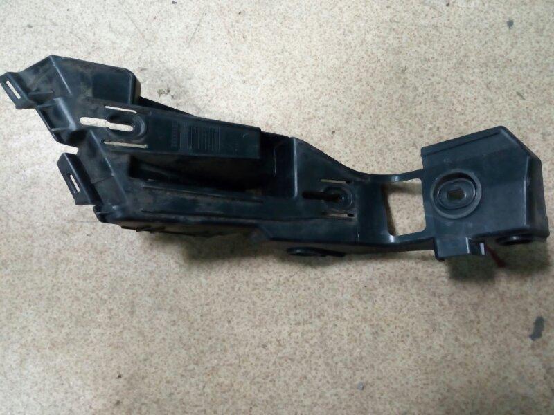 Крепление заднего бампера Volkswagen Golf 1K1 AXX