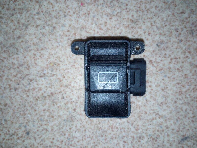 Кнопка люка Mercedes-Benz Ml-Class W163