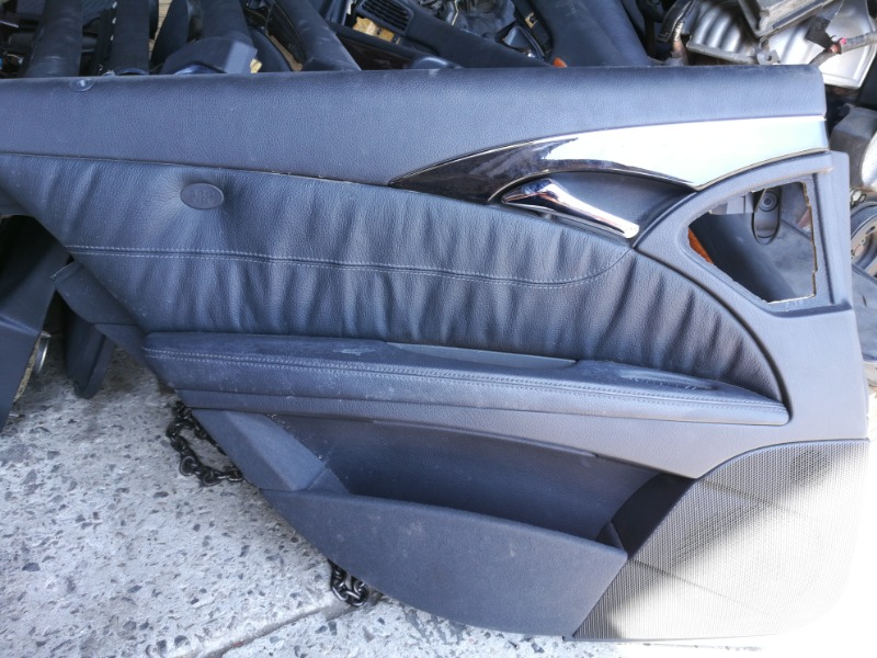 Обшивка двери задняя левая Mercedes-Benz E-Class W211 M112E26