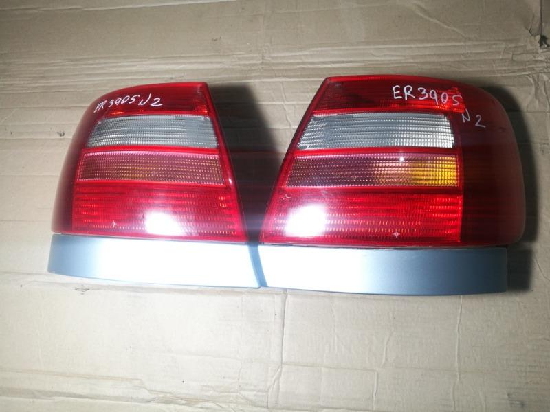 Задний фонарь Audi A4 8B2 1Z