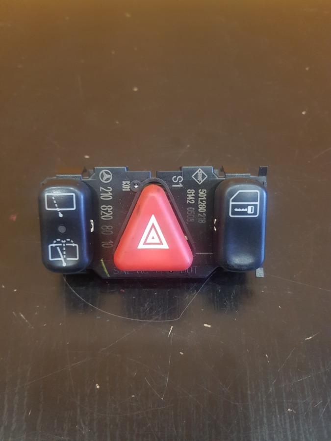 Блок кнопок аварийки Mercedes-Benz C-Class W202 M112E26