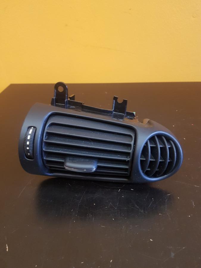 Дефлектор воздушный Mercedes-Benz C-Class W203
