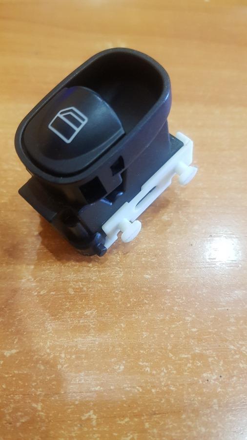 Кнопка стеклоподьемника Mercedes-Benz C-Class W203
