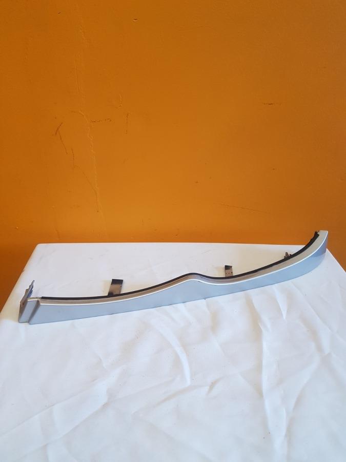 Планка под фару , ресничка под фару Bmw 3-Series E46 передняя левая