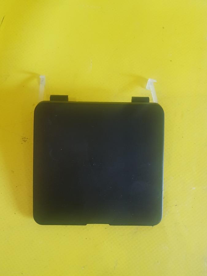 Заглушка, крышка буксирной проушины Bmw 5-Series E34