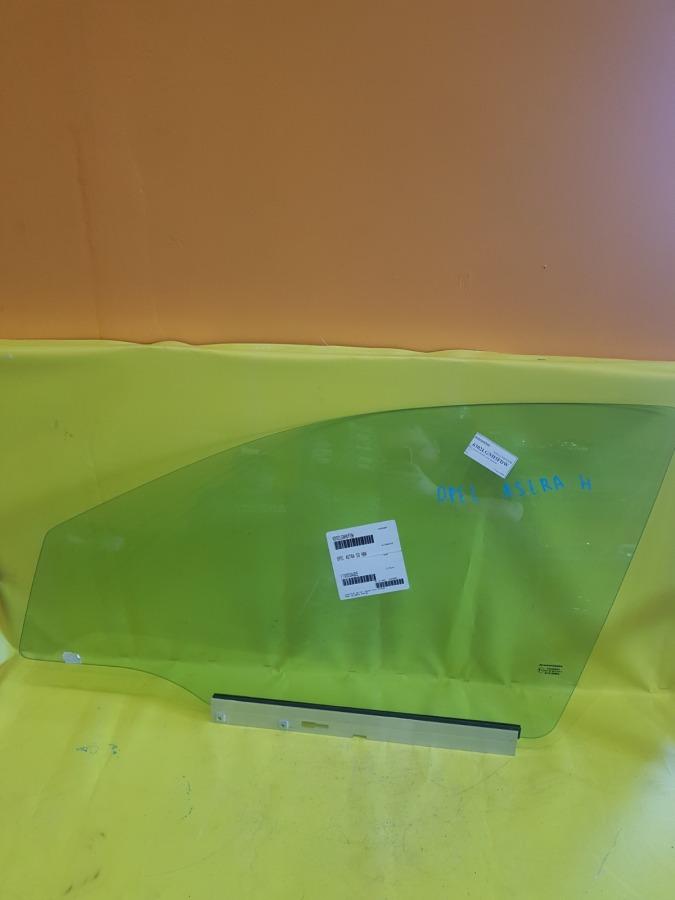 Стекло двери Opel Astra H переднее левое