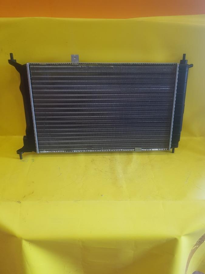 Радиатор охлаждения Opel Astra