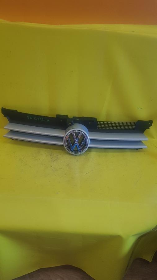 Решетка радиатора Volkswagen Golf MK4