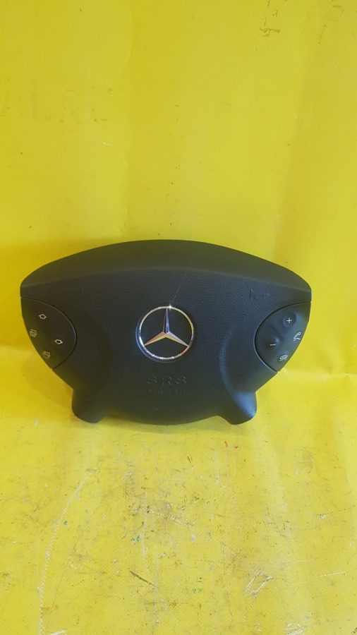 Подушка безопасности водителя Mercedes-Benz E-Class W211