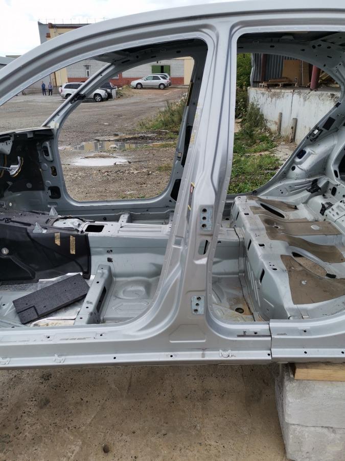 Стойка кузова Mercedes-Benz E-Class W211 левая