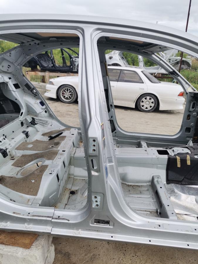 Стойка кузова Mercedes-Benz E-Class W211 правая