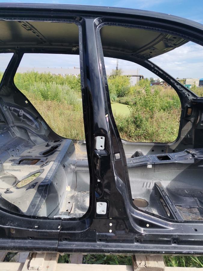 Стойка кузова Mercedes-Benz C-Class W203 правая