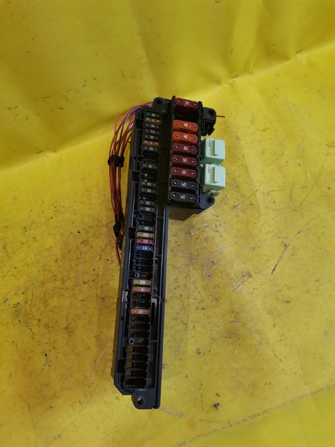 Блок предохраниетелей и реле Bmw 5-Series E60 M54B30