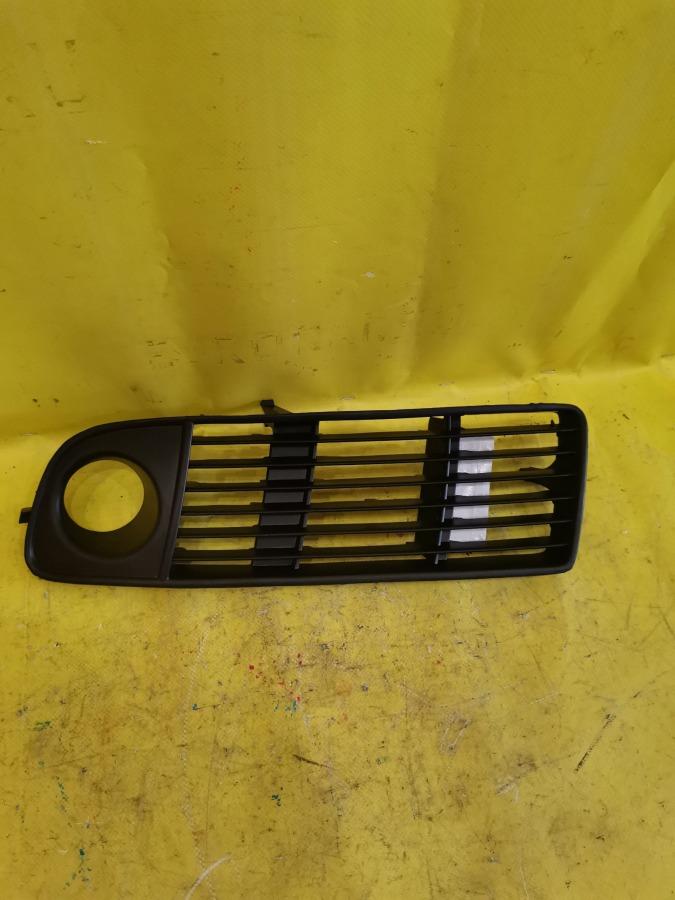 Решетка в бампер Audi A6 C5 передняя левая